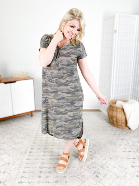 Plus/Reg Camo Short Sleeve V Neck Maxi Dress with Pockets