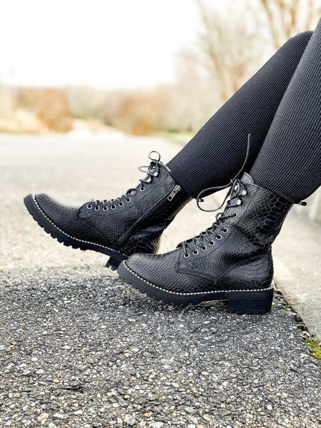 Black Lace Up Snake Combat Boots