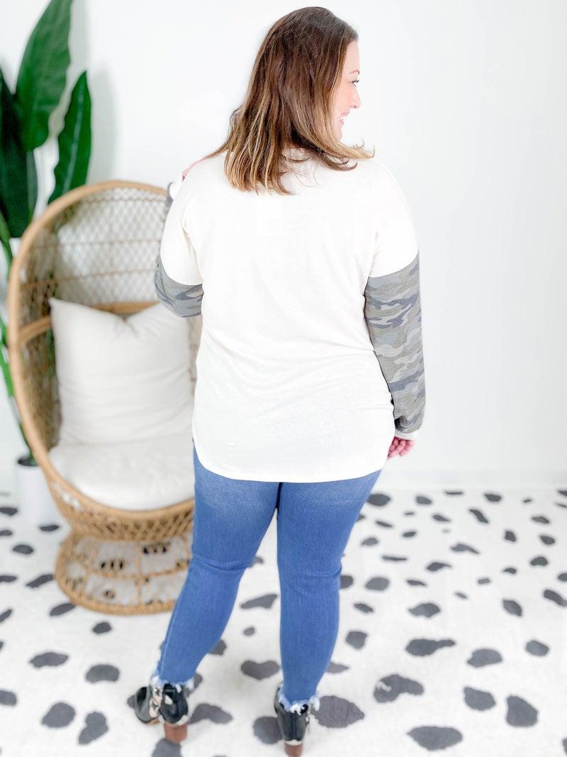 PLUS/REG Taupe Camo Sleeve Top