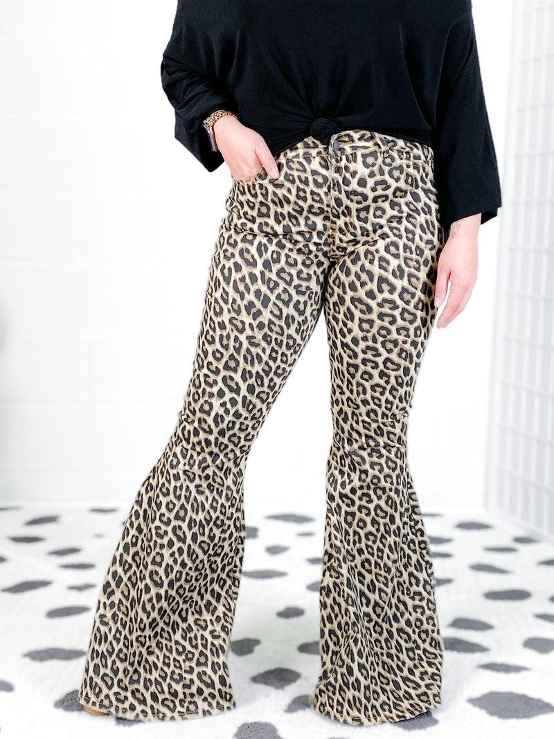 PLUS/REG Judy Blue COOL CAT Leopard Super Flare Jeans