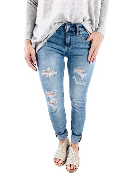 Plus/Reg Summer Lovin' Judy Blue Light Wash Distressed Jeans