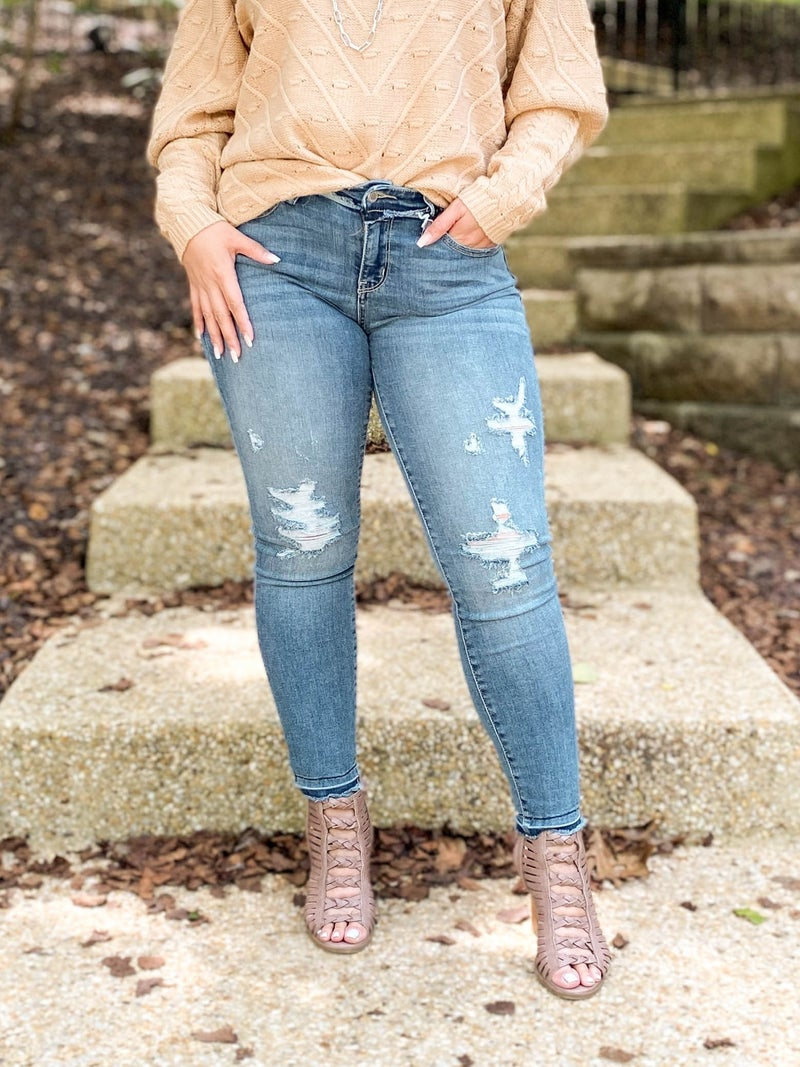 Plus/Reg Judy Blue Hollywood Hills Raw Hem Jeans