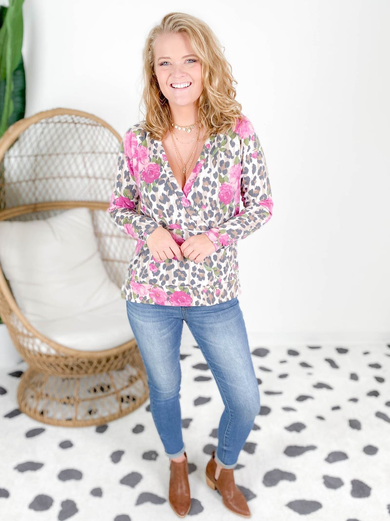 PLUS/REG Wrap Front Leopard & Floral Top with Kangaroo Pocket