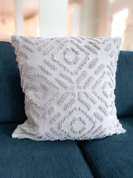 Maze Tufted Cotton Pillow (Multiple Colors)