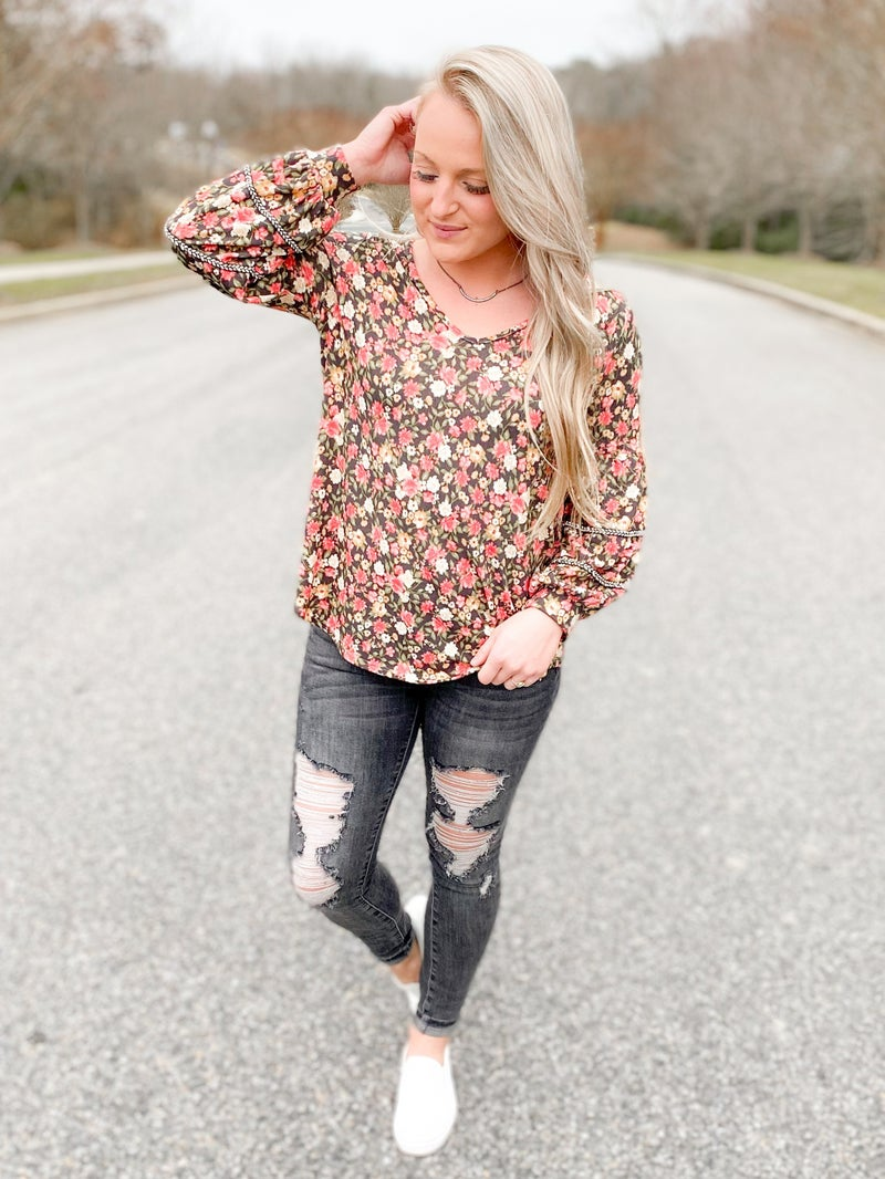 Long Sleeve Sleeve Chevron Twill Trimmed Floral Top