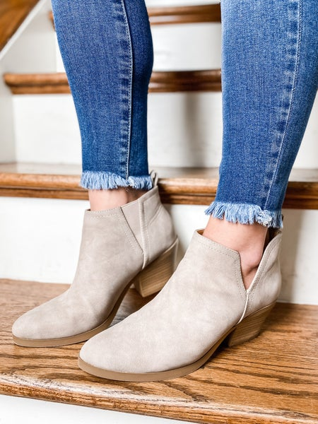 Side Cut Out Ankle Booties With Block Heel (Multiple Colors)