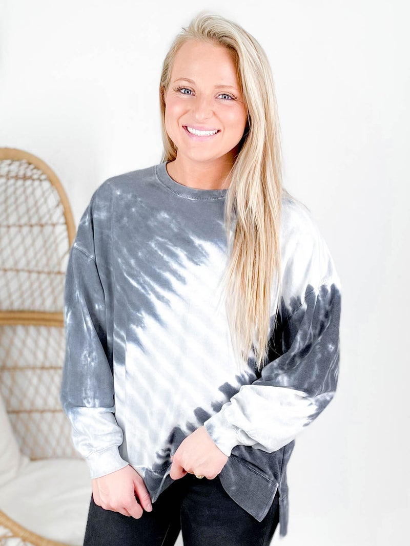PLUS/REG Black & White Tie Dye Pullover Sweatshirt