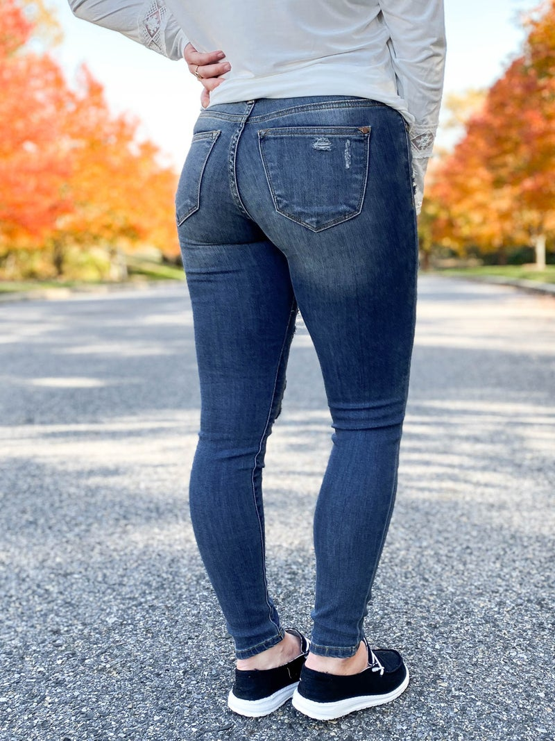 PLUS/REG Judy Blue Buffalo Plaid Patch Dark Wash Skinny Jeans