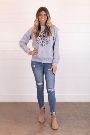 sku17689 | Snowflake Graphic Sweatshirt