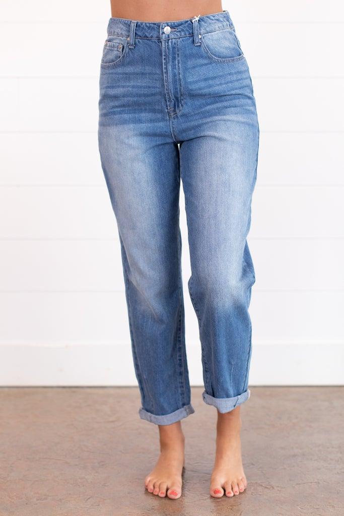 sku15907 | High Rise Mom Jeans