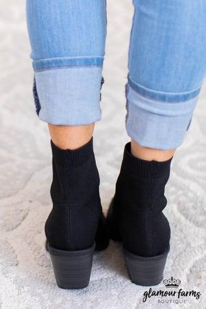 sku11229 | Luckey Stretch Knit Boot