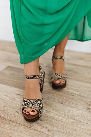 sku19351 | Vint Printed Studded Platform Sandals