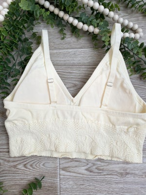 sku21301   Lace Knit Padded Brami