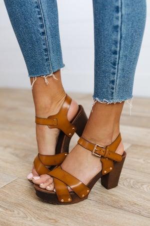 sku19350 | Vint Studded Platform Sandals