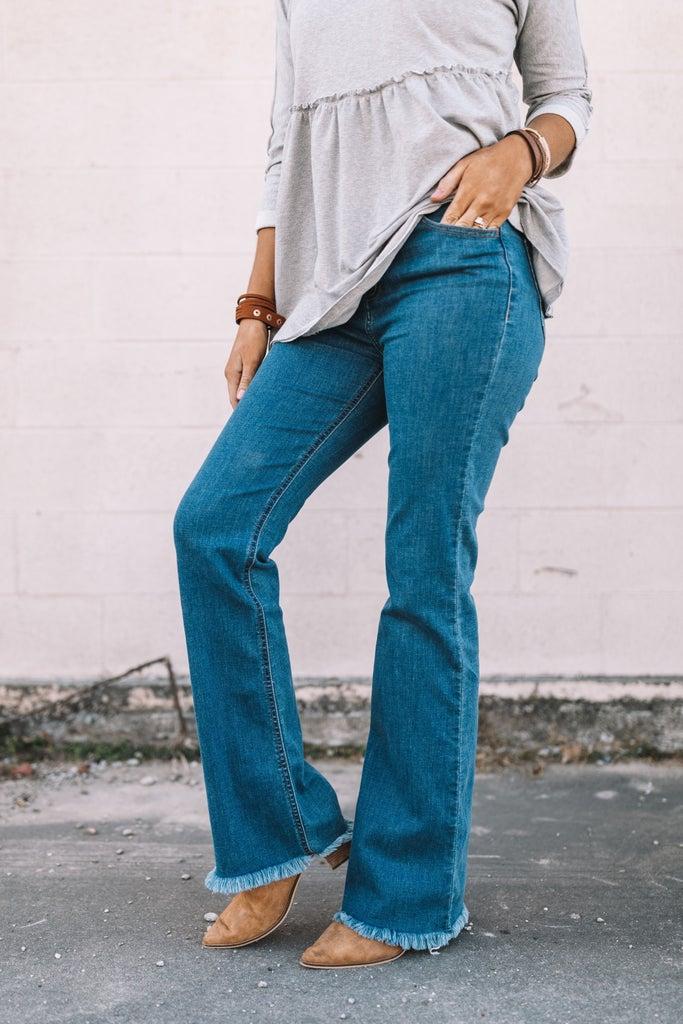 sku16066 | High Rise Flared Jeans