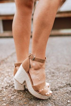 sku15266 | Lynn Platform Sandal
