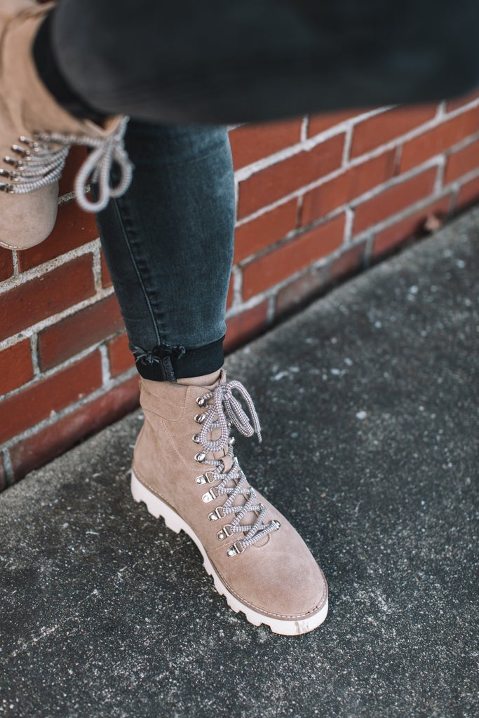 sku18138 | Arlene Hiking Boot
