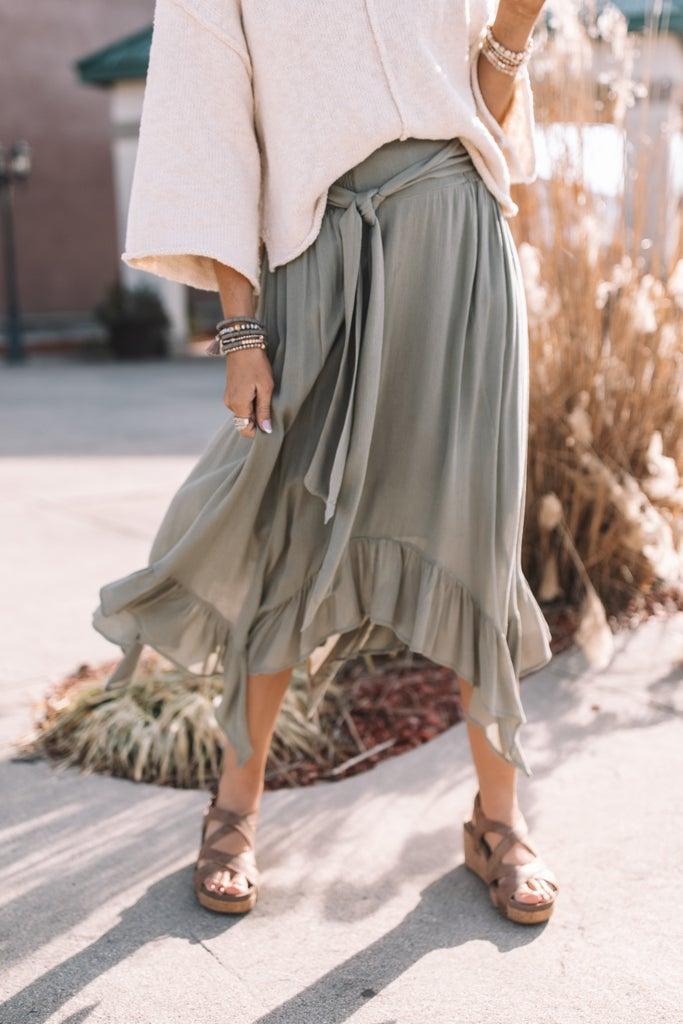 sku18305 | Ruffled Handkerchief Hemline Skirt