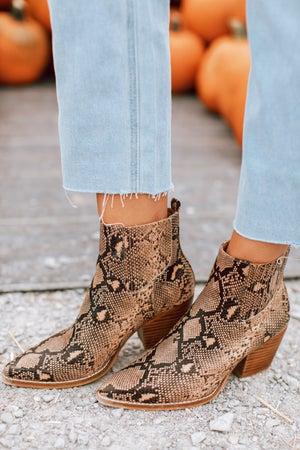 sku16081 | Snakeskin Ankle Boots