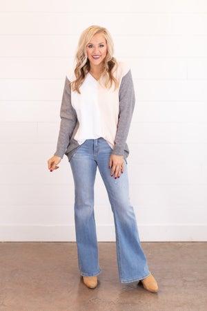 sku17530 | Color Block V-Neck Sweater
