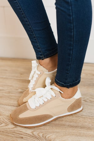 sku20023 | Brooke Retro Sneaker