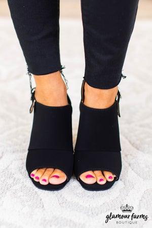sku9086 | Divide Block Heel Sandal