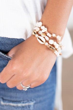 sku15791 | Cowry Shell And Bead Bracelet