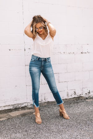 sku20403 | KanCan High Rise Split Hem Skinny Jeans