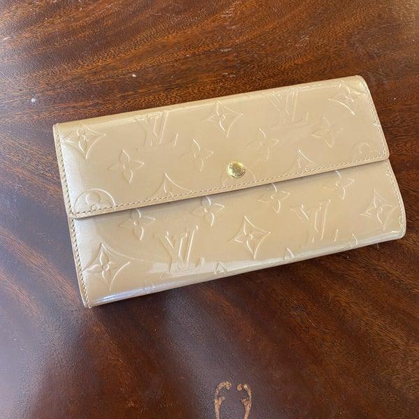 Louis Vuitton Sarah Beige Poudre Vernis Wallet