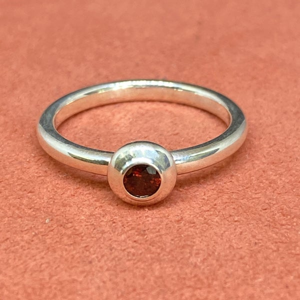 James Avery Remembrance Ring with Garnet