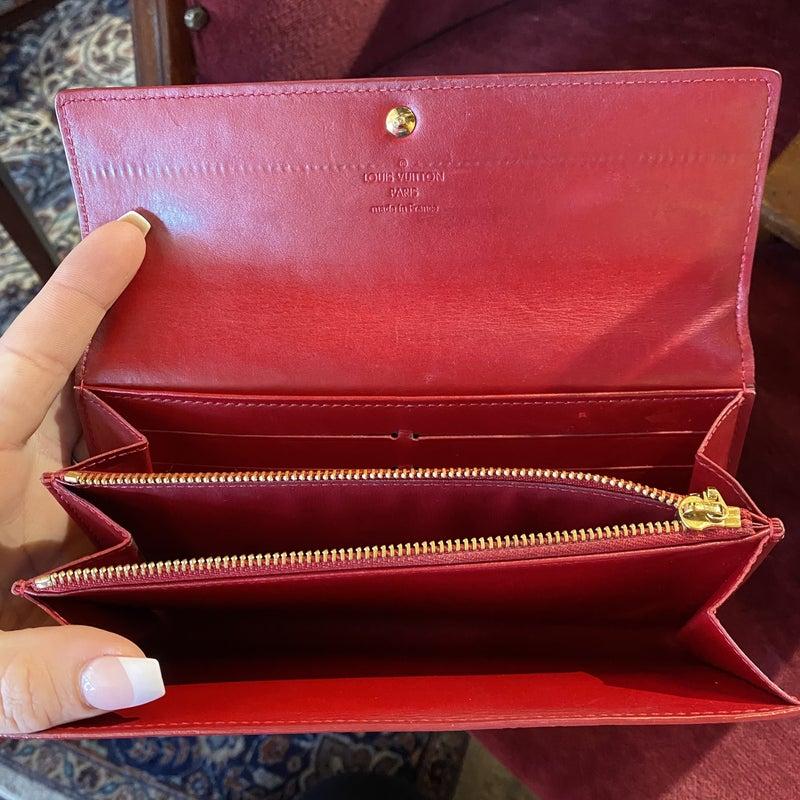 Louis Vuitton Sarah Pomme D'Amour Vernis Wallet