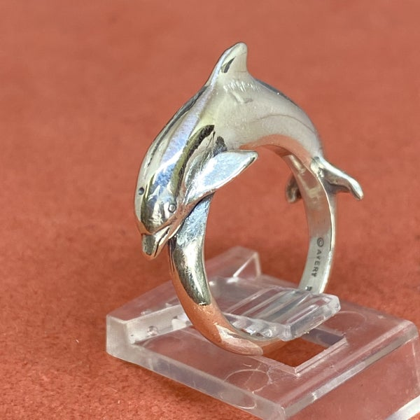Retired James Avery Sterling Silver Dolphin Ring