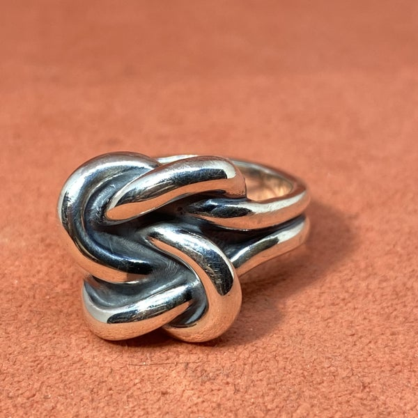 Retired James Avery Bold Lover's Knot Ring