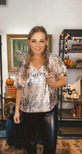 Short Sleeve V-Neck Sequin Top