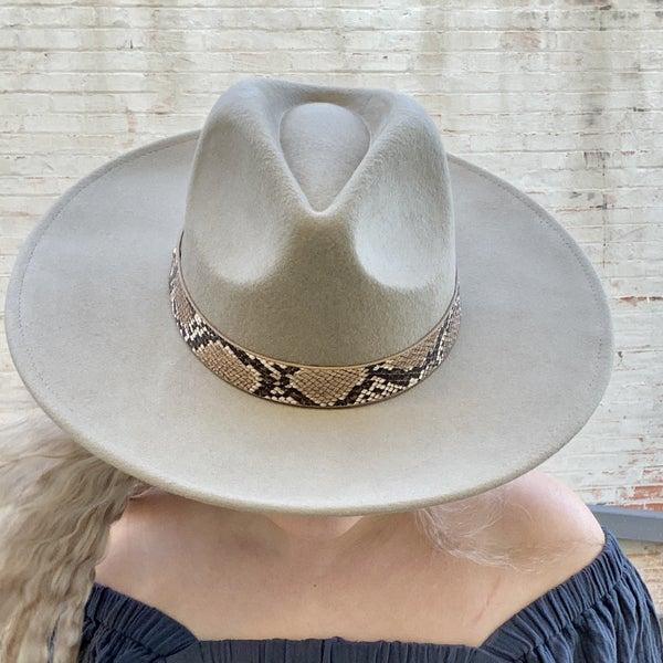 Fame Brimmed Hat w/ Snake Print Band