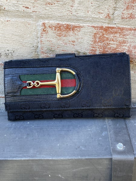 Gucci Logo Buckle Wallet