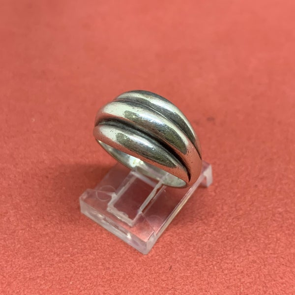 James Avery Sterling Silver Ribbed Dome Ring