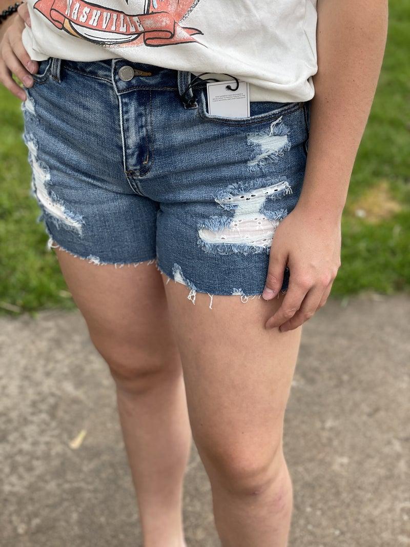 Judy Blue Lacie Patch Destroy Shorts 42R