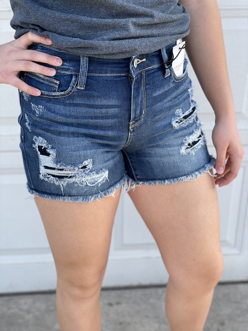 Judy Blue Patch Mid-Rise Cut Off Shorts 05R