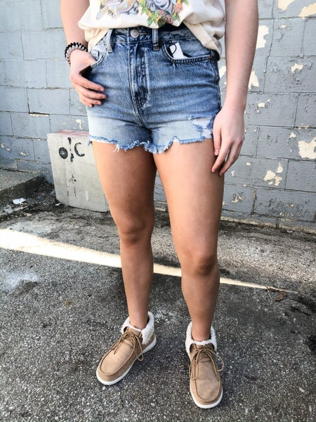 Vintage Dream Distressed Fray Shorts 93M
