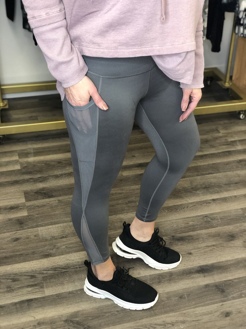 Curvy Splice Mesh Pocket Leggings