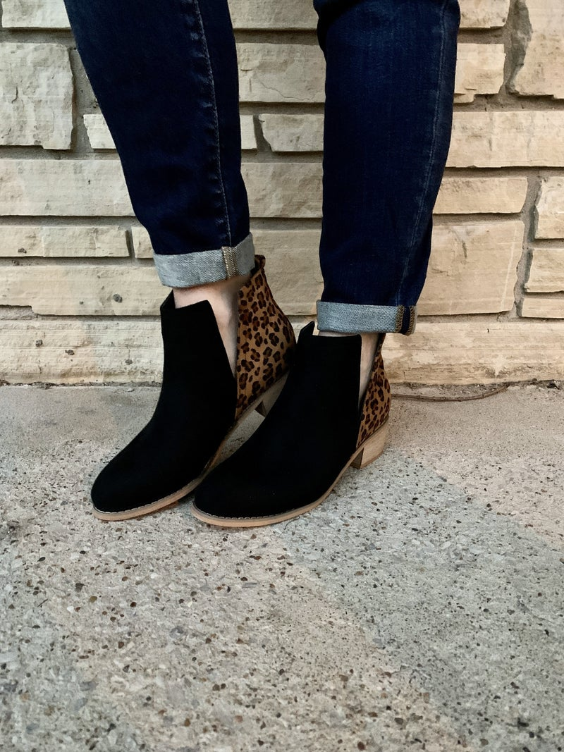 Shield Animal & Solid Bootie