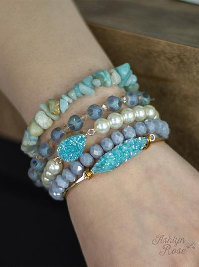 Midnight Lights Bracelet Set, Mint Item