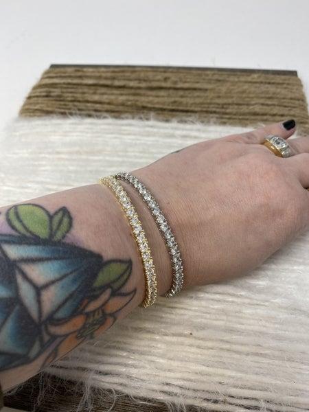 VCA Diamonte Bangle Bracelet
