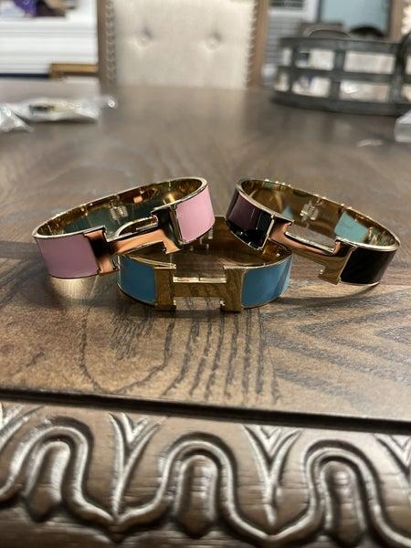 Large Gold Hermès dupe bracelet
