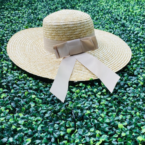 Walks on the Beach Hat