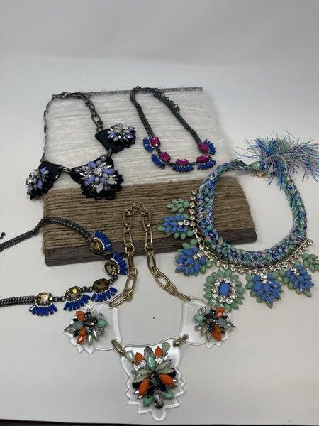 Shiny Flora Gemstone Necklace