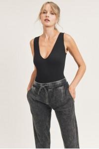 Ribbed Seamless Scoop-Neck Bodysuit(2 Colors)
