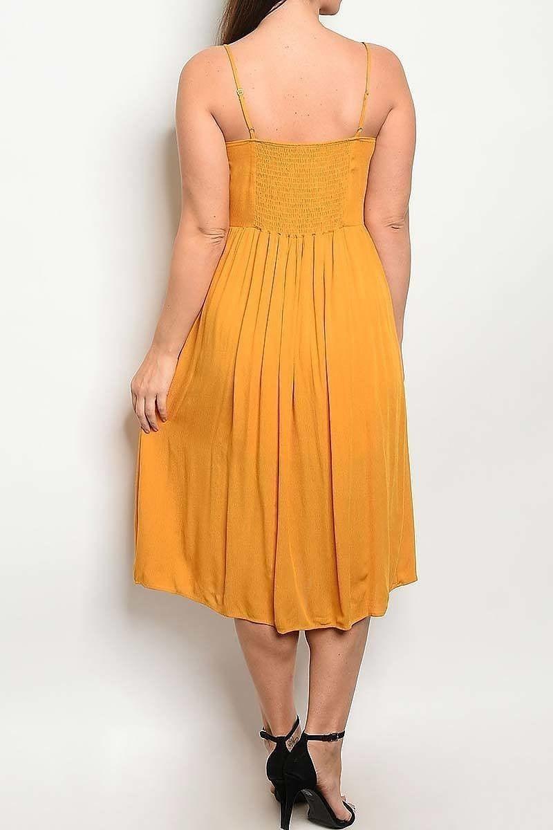 Button Dress in Curvy