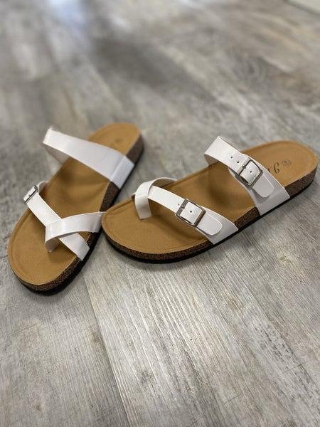 Chelsa Sandal in White